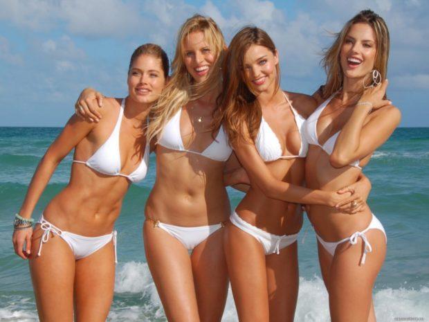 Пляжная мода 2019 тенденции: бикини белое
