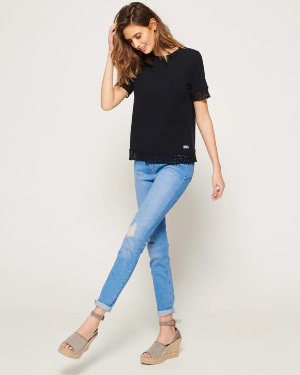 блузка с короткими рукавами: черная кружево