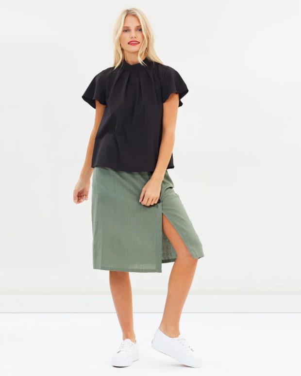 блузка с короткими рукавами: черная