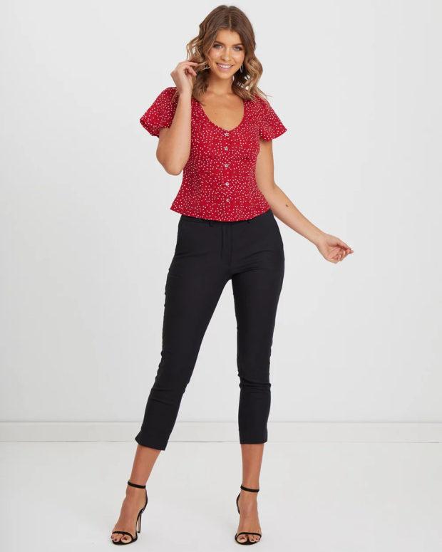 блузка с короткими рукавами: красная в горох
