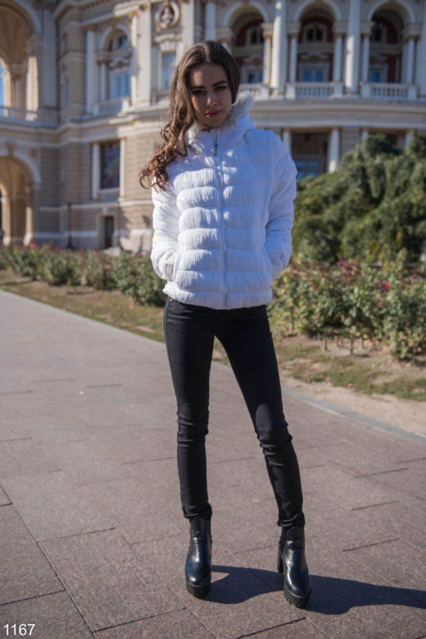 спортивный костюм леггинсы с курткой белого цвета