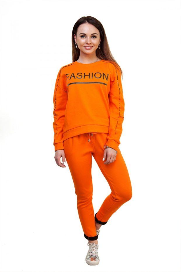 спортивный костюм леггинсы в обтяжку верх свободный оранжевого цвета