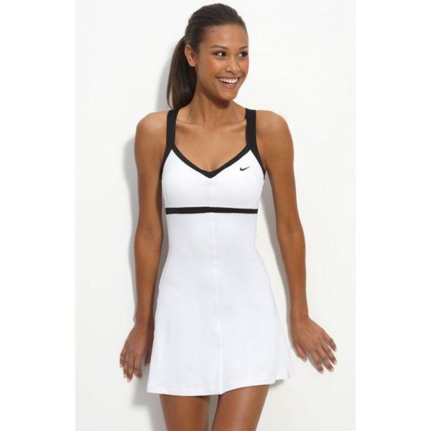Спортивные платья белого цвета