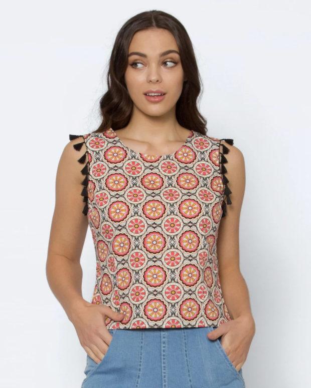 блузки лето 2019: с принтом без рукавов