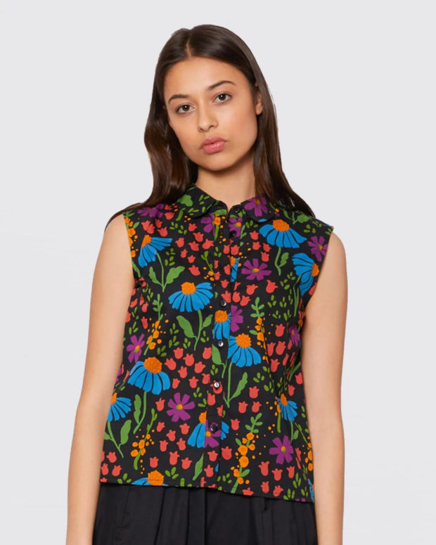 блузки на лето 2019: цветочный принт без рукавов