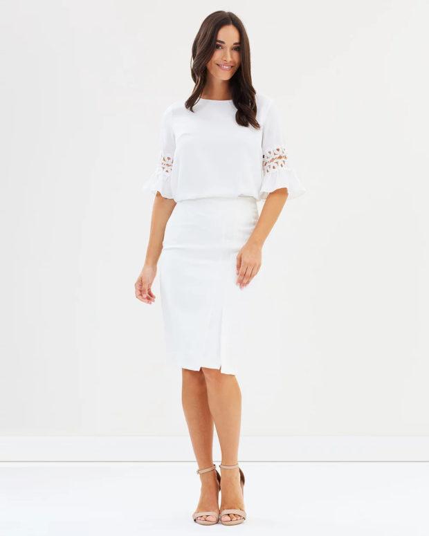 блузка 2019 лето: белая с узорами