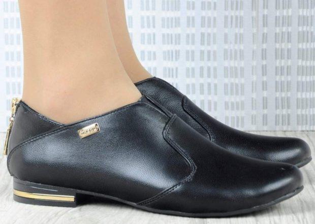 Туфли на низком ходу весна лето 2019: на низком ходу, кожаные, черного цвета