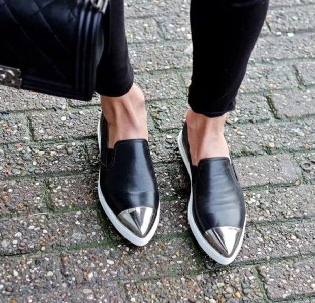 Туфли весна лето 2020: на низком ходу кожа без шнуровки черные
