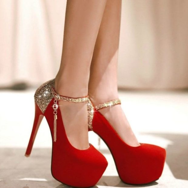 Туфли весна лето 2019: на каблуке, замша, без шнуровки,на застежке золотистого цвета, красного цвета