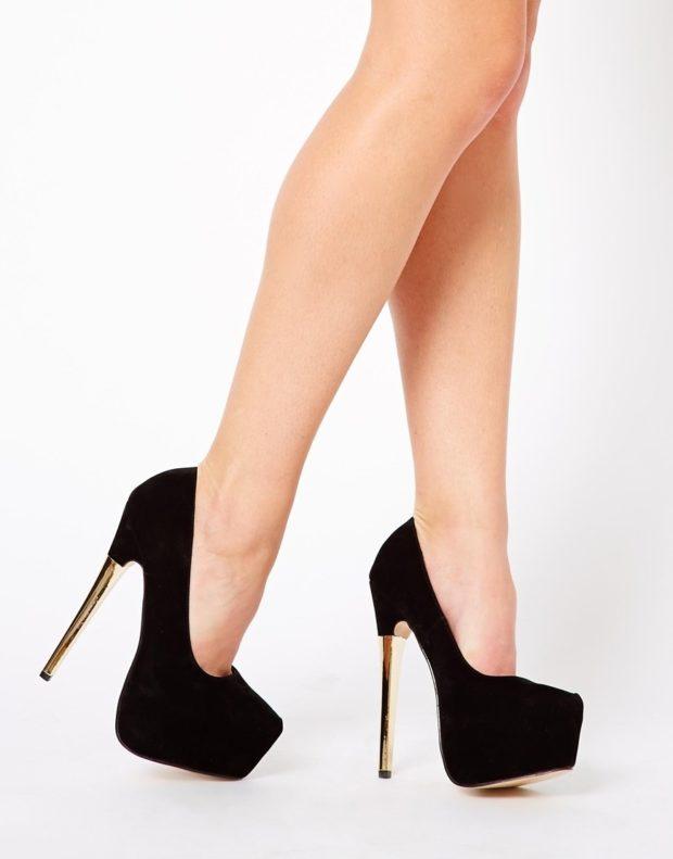 Туфли на шпильке замша черного цвета