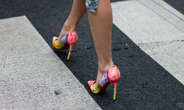 Туфли на шпильке кожаные цветные
