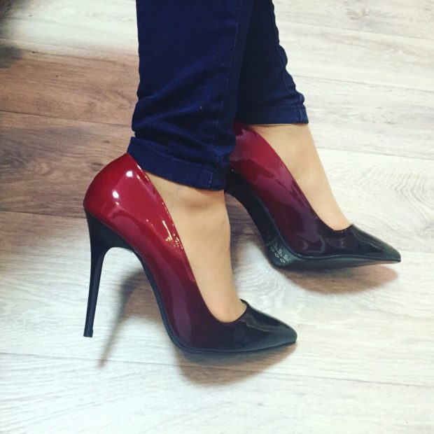 лодочки кожаные на каблуке красного цвета