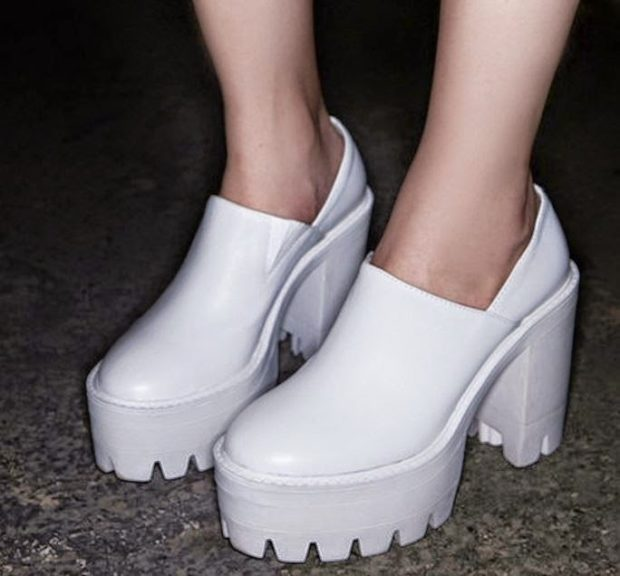 Туфли на тракторной подошве весна лето 2019: на тракторной подошве, кожаные, белого цвета