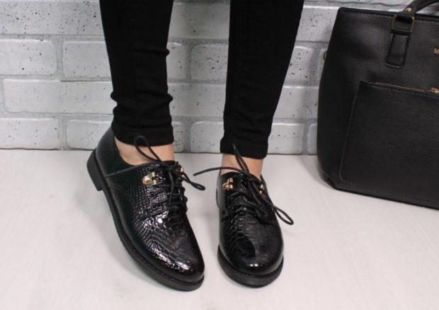 Туфли на низком ходу весна лето 2019: на низком ходу с шнуровкой, кожаные, черного цвета