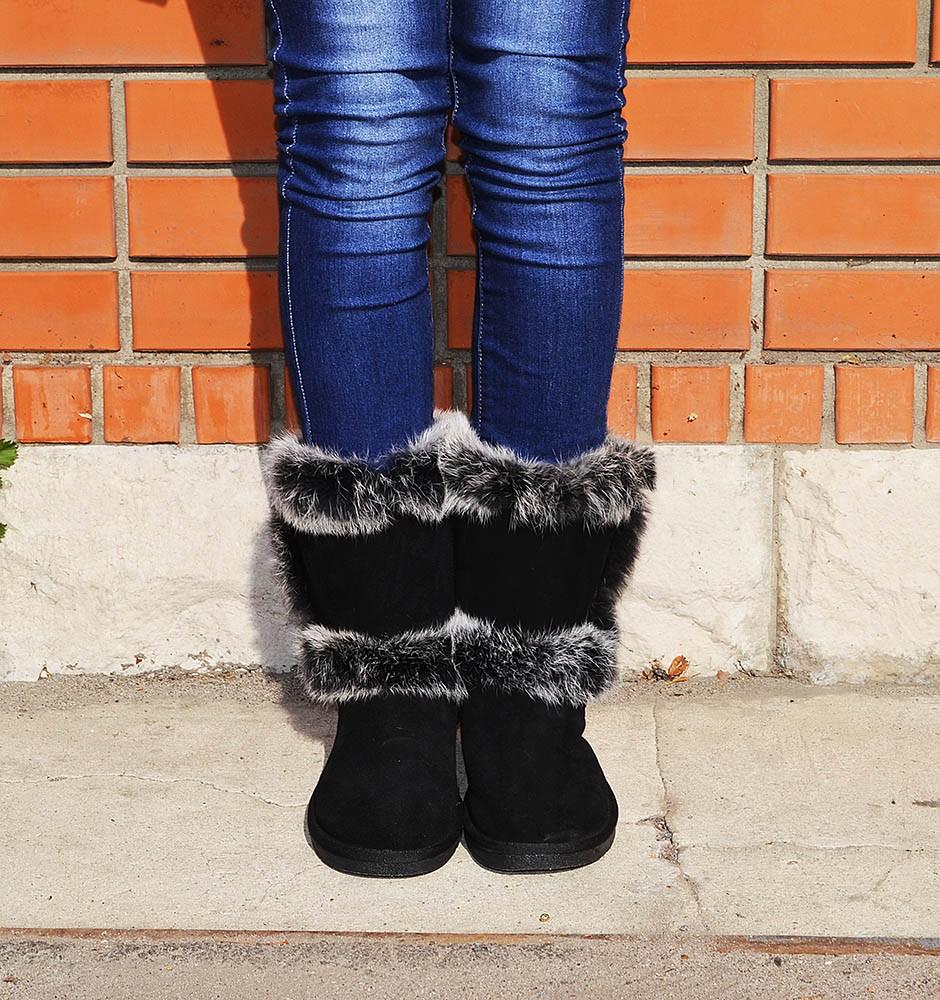 Модные угги с мехом осень-зима 2018: с мехом кроля, черного цвета