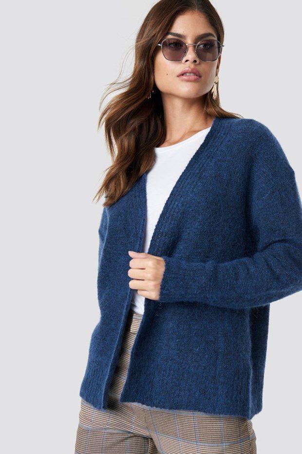 Вязаные свитера осень зима: синий