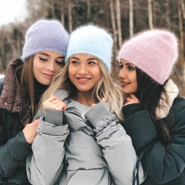 Вязаная мода осень зима 2020-2021: шапки разные
