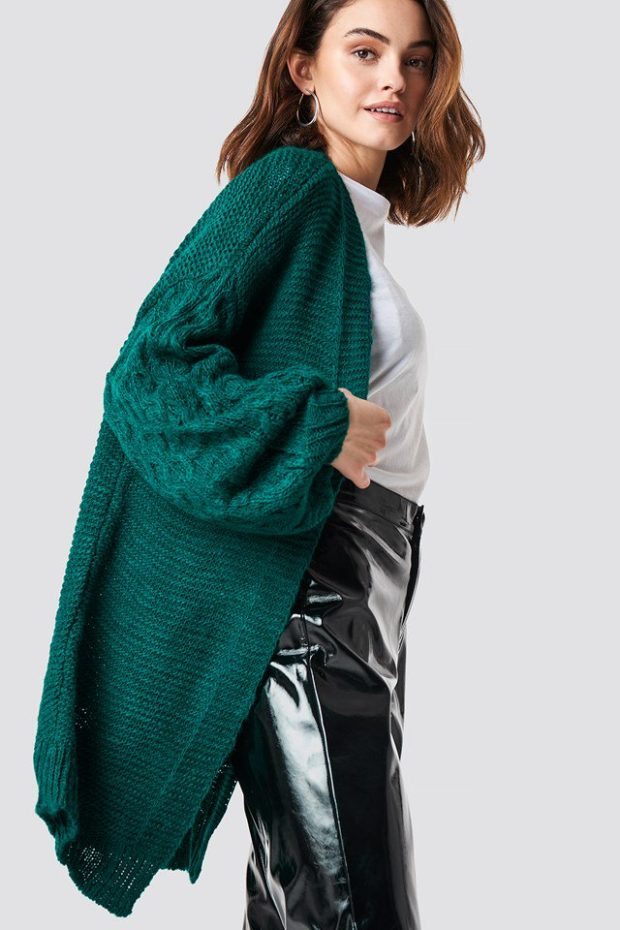 Вязаная мода осень зима 2019-2020: свитер изумрудного цвета
