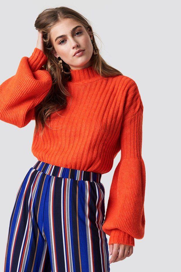Вязаная мода осень зима 2019-2020: оранжевый свитер