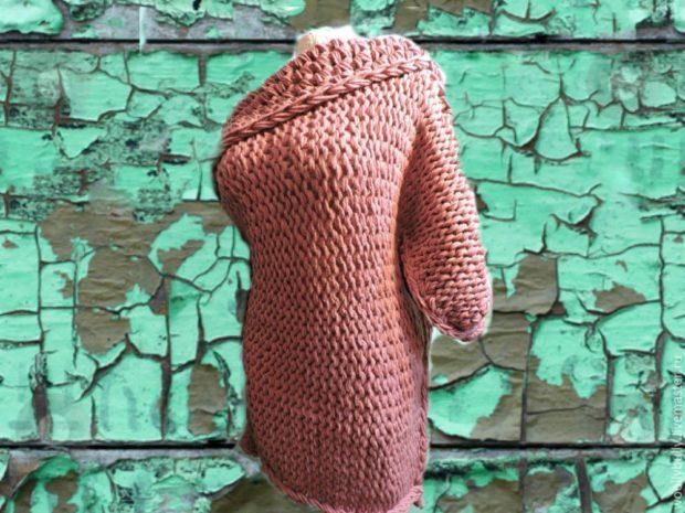 Вязаная мода осень зима 2018 2019 платье миди, из крупной вязки и широким воротником
