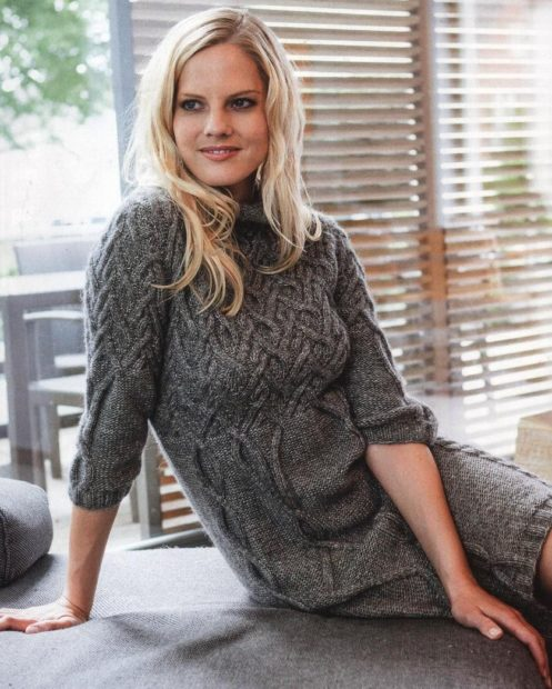 Вязаная мода осень зима 2018 2019 платье с узором косичка, рукав три четверти, средней длины
