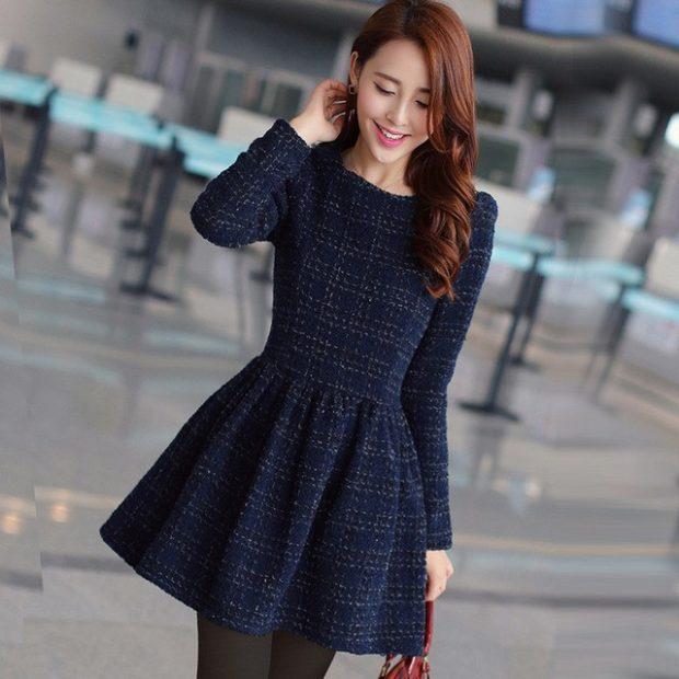 Вязаная мода осень зима 2018 2019: клетчатые платья с длинным рукавом и широкой юбкой