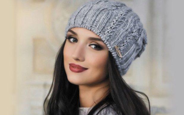 Вязаные шапки осень зима 2018 2019 вязаная шапка, крупная вязка,серая с узором