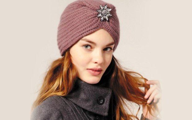Вязаные шапки осень зима 2018 2019 вязаная шапка,крупная вязка,с декоративным цветком с камешками