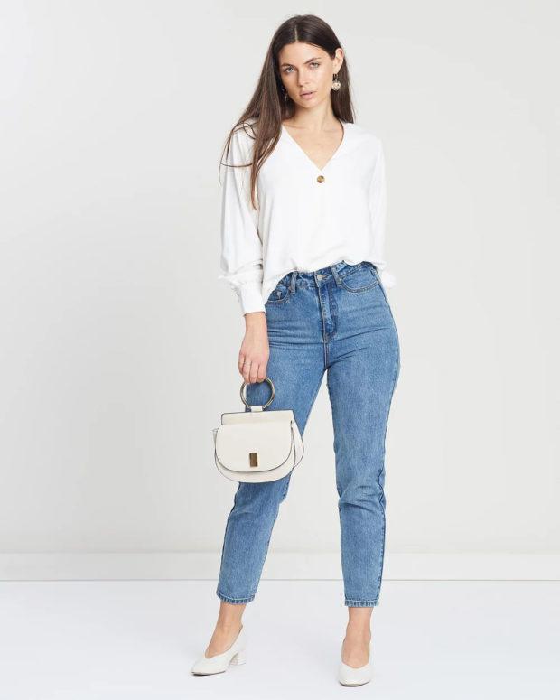 белая блузка: длинный рукав под джинсы