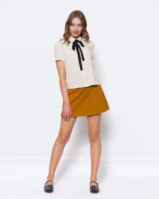 белая блузка: с черным бантом под юбку