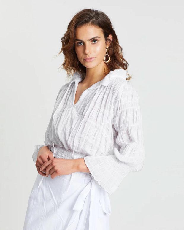 белая блузка: пышные рукава