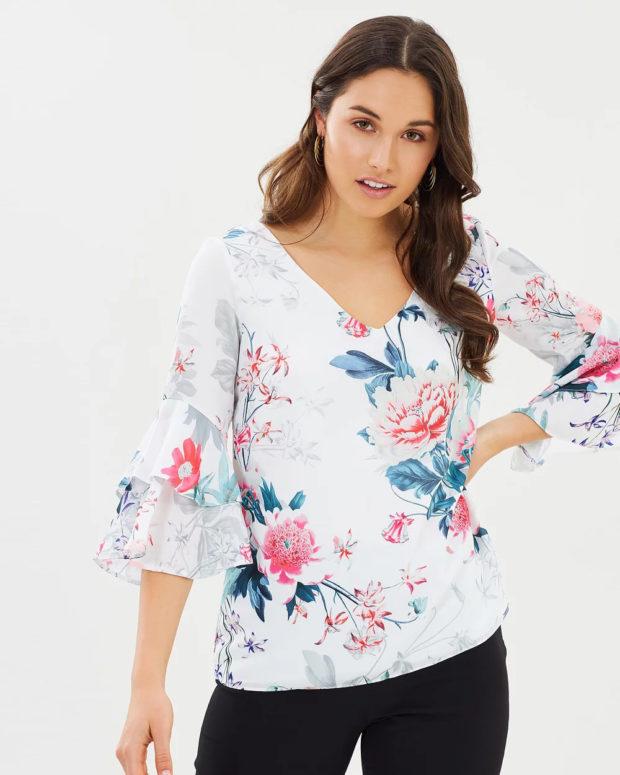 белая блузка: цветочный принт