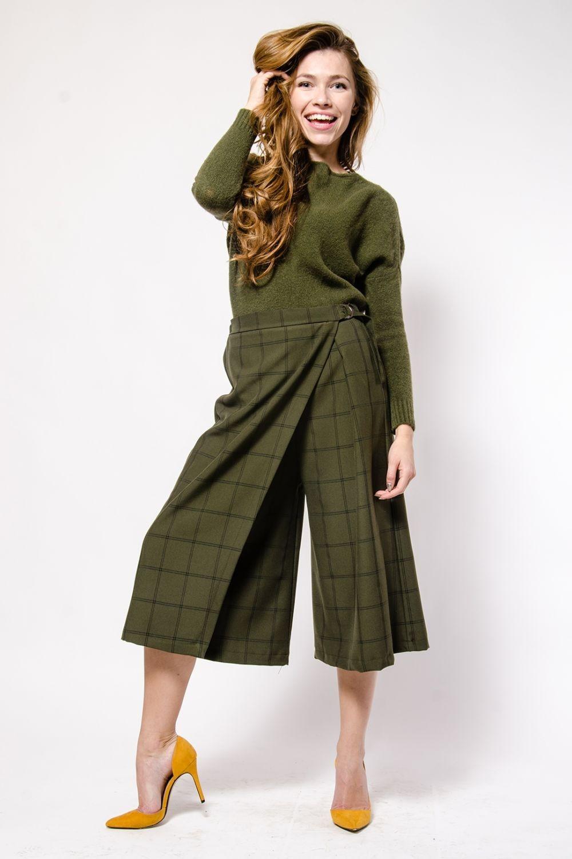 кюлоты зеленые под свитер в тон