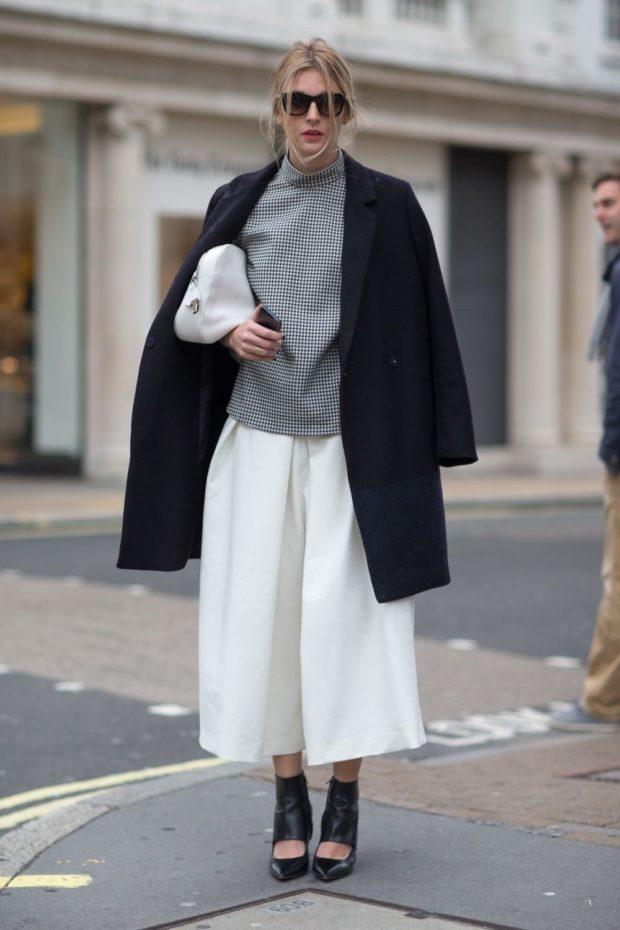 белые под пальто