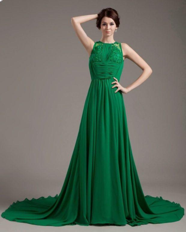 Что одеть на новогодний корпоратив 2020 фото: платье зеленое в пол без рукава
