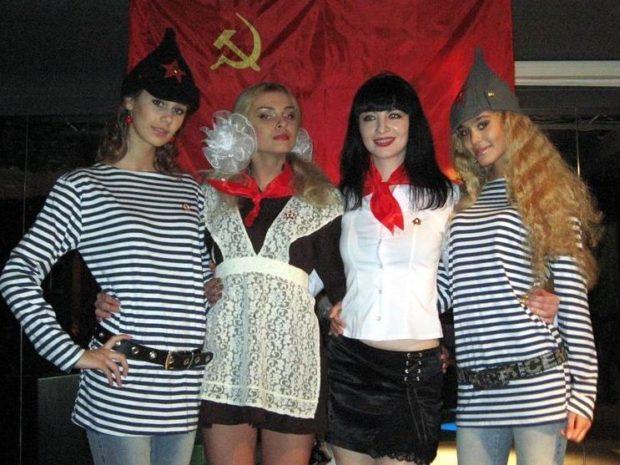 Что одеть на новогодний корпоратив 2019 фото: тематический новый год в духе СССР
