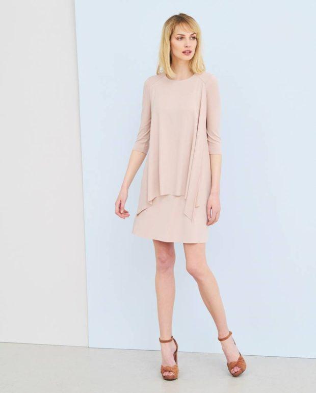 Что одеть на день Святого Валентина 2020: платье бежевое