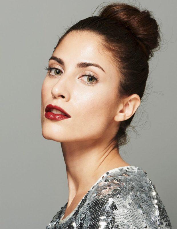 Что одеть на день Святого Валентина 2020: макияж на праздник красные губы