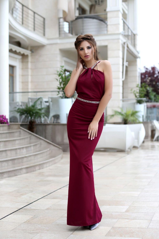 Что одеть на день Святого Валентина 2019: платье вечернее бордовое в пол