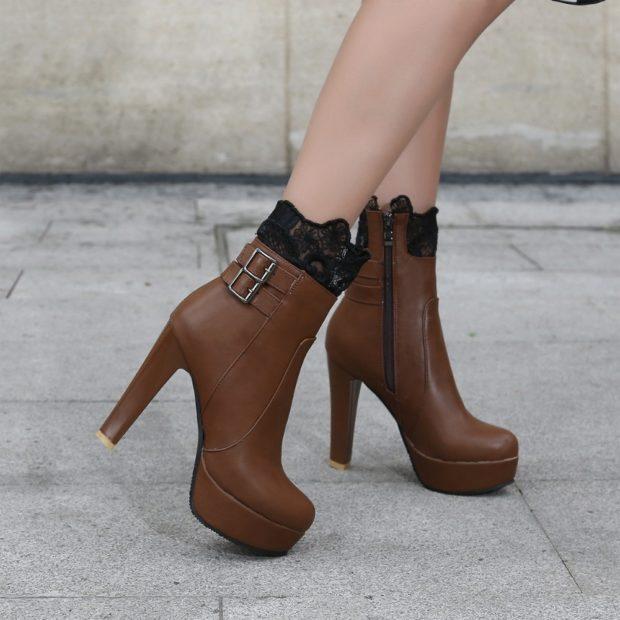 Что одеть на день Святого Валентина 2020: ботинки коричневые на каблуке