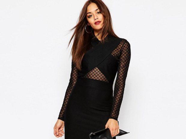 Что одеть на день Святого Валентина 2020: черное платье по фигуре с сеткой