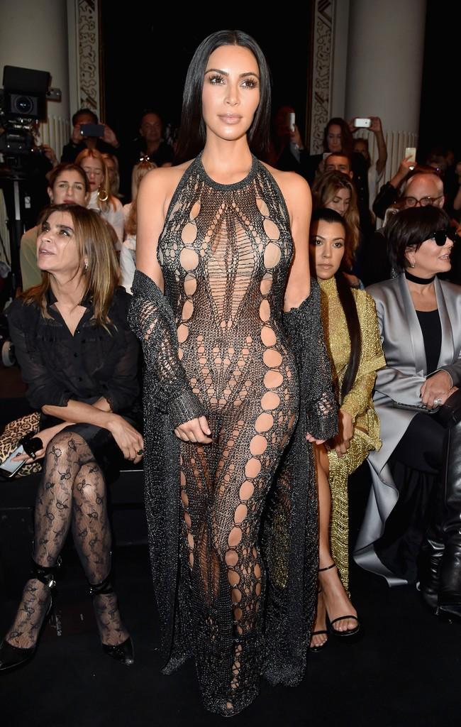 голые платья фото: платье черное по фигуре в дырки
