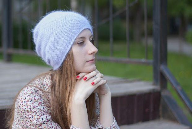 Как носить шапку с челкой: из ангора с челкой с голубоватым оттенком