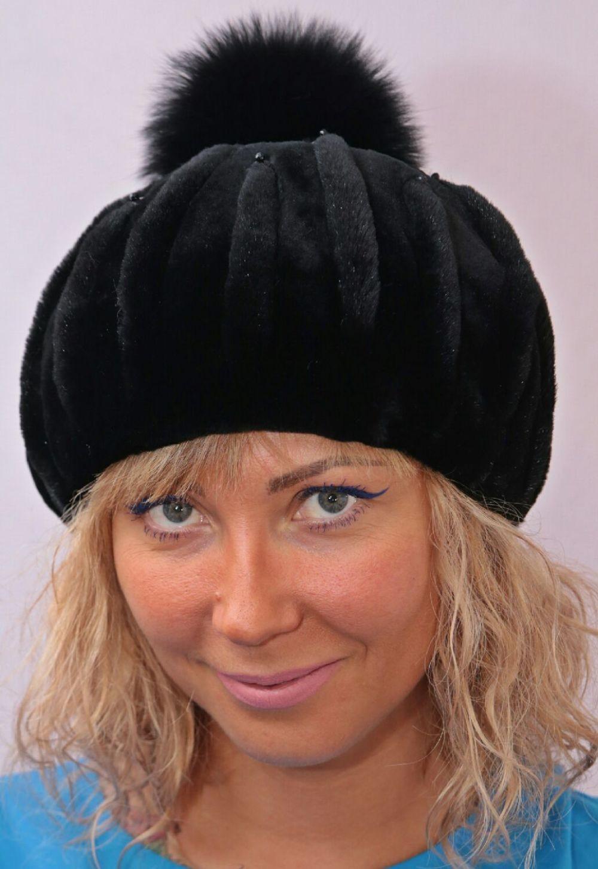 Как носить шапку с челкой: берет с челкой черный с бубоном