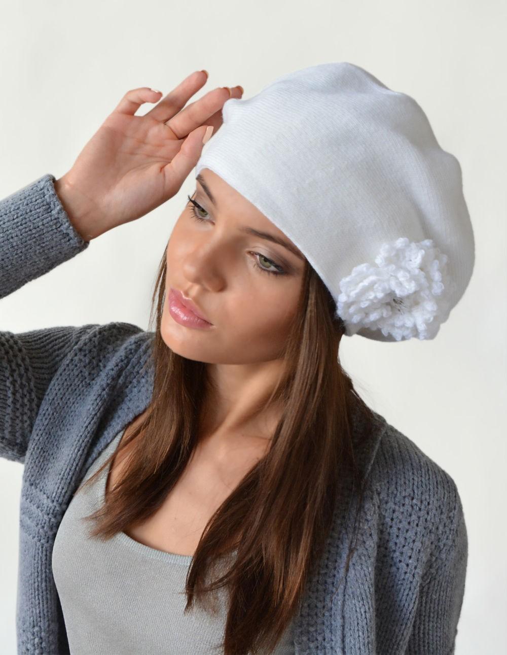 Как носить шапку с челкой: берет с челкой белый с декорацией