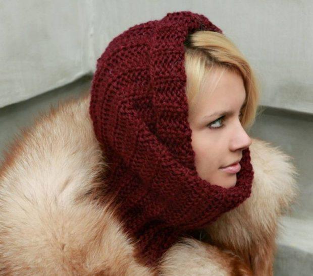 Как носить шапку с челкой: снуд вязаный с красный