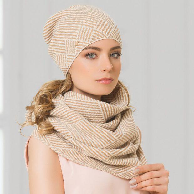 Как правильно носить хомут: бежевый как шарф в несколько слоев