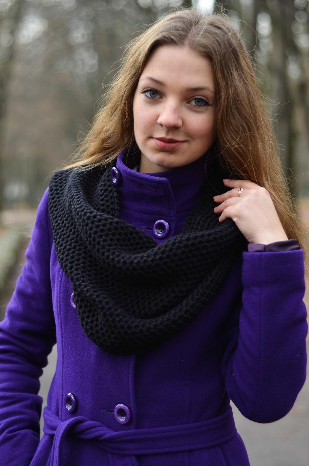 Как правильно носить хомут: черный на пальто как шарф