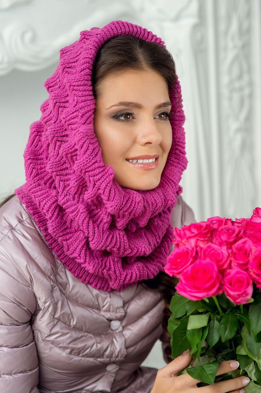 Как правильно носить хомут: розовый крупная вязка как косынка