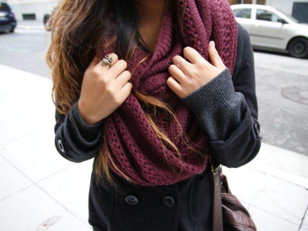 Как правильно носить хомут: бордовый свободный вокруг шеи